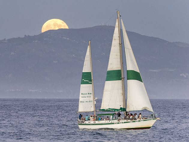 Sunset / Full Moon Sailing Cruise title=