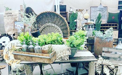 BarnHouse Chicks Vintage Market