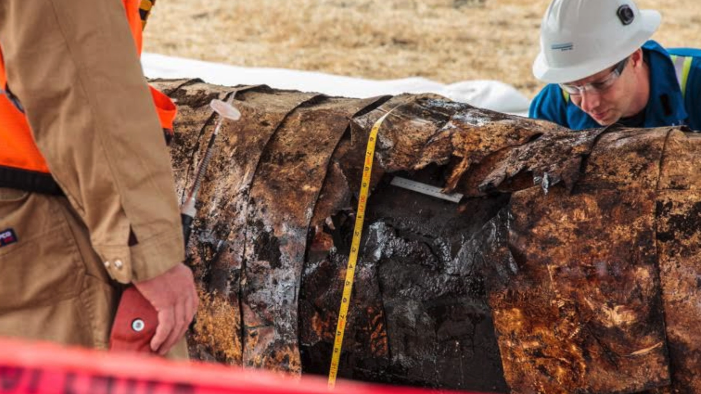 Broke: The Santa Barbara Oil Pipeline Spill of 2015 title=