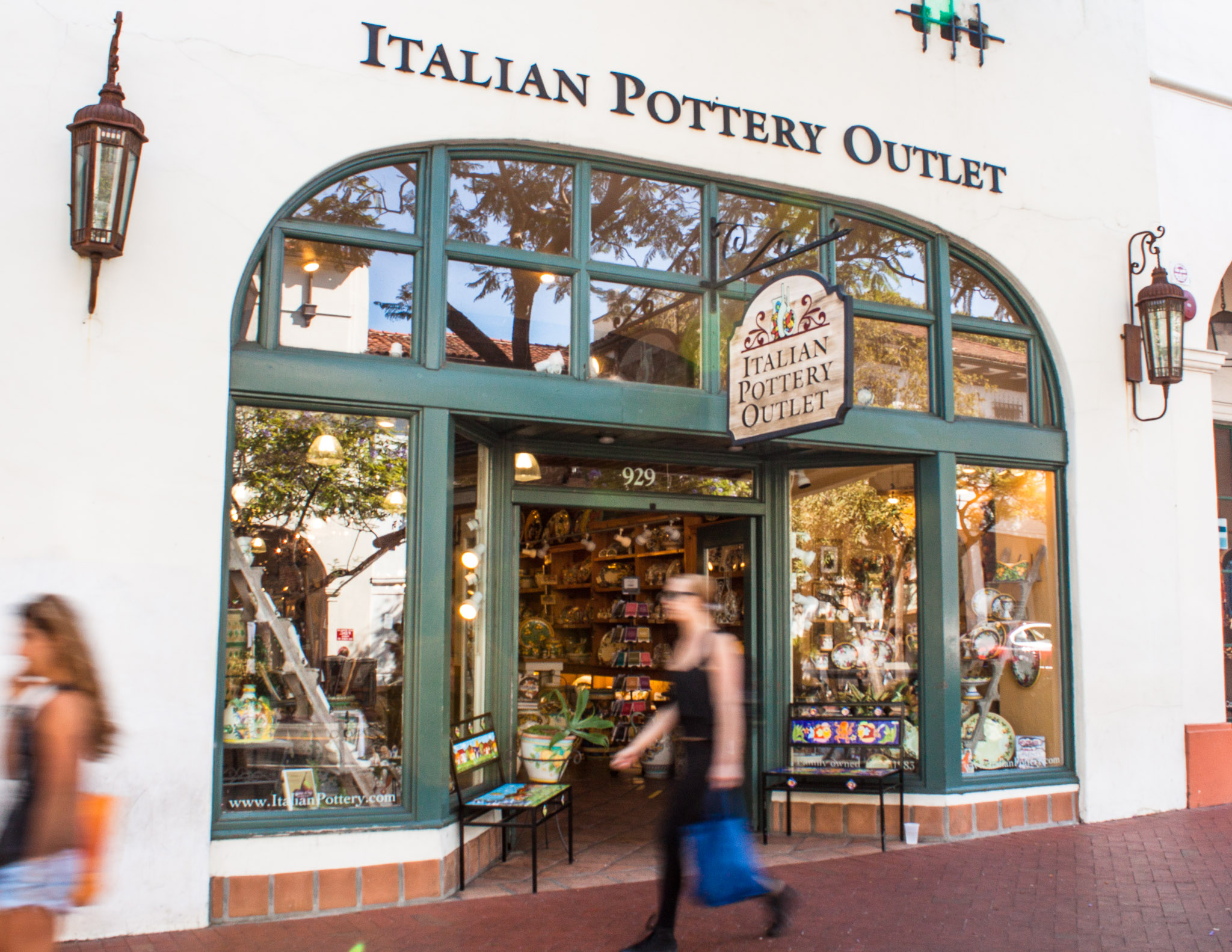 Italian Pottery Outlet Annual Sale title=