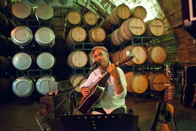 Live Music at Carr Winery with John Lyle & the Groove title=