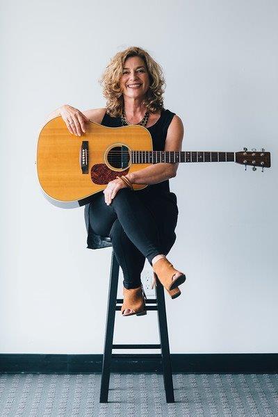Kimberly Ford sings Joni Mitchell