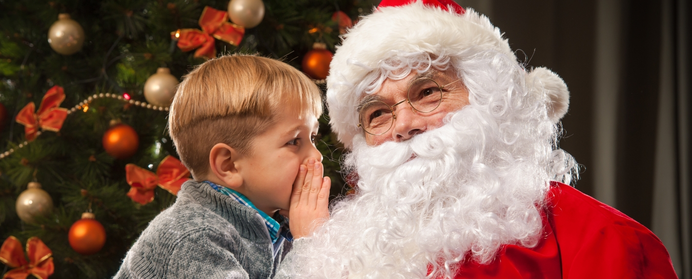 santa and child title=