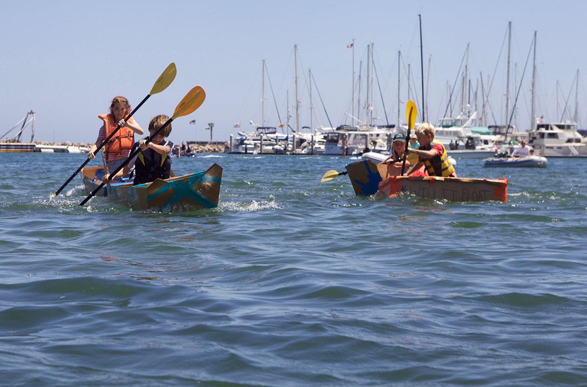 Kardboard Kayak Races