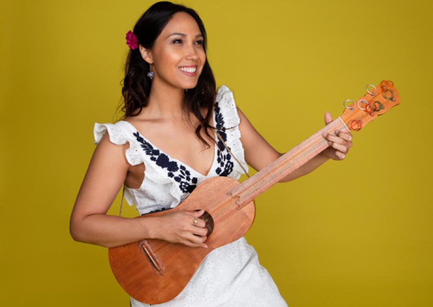 FREE Family-friendly Music  Sonia De Los Santos  En Casa con Sonia title=