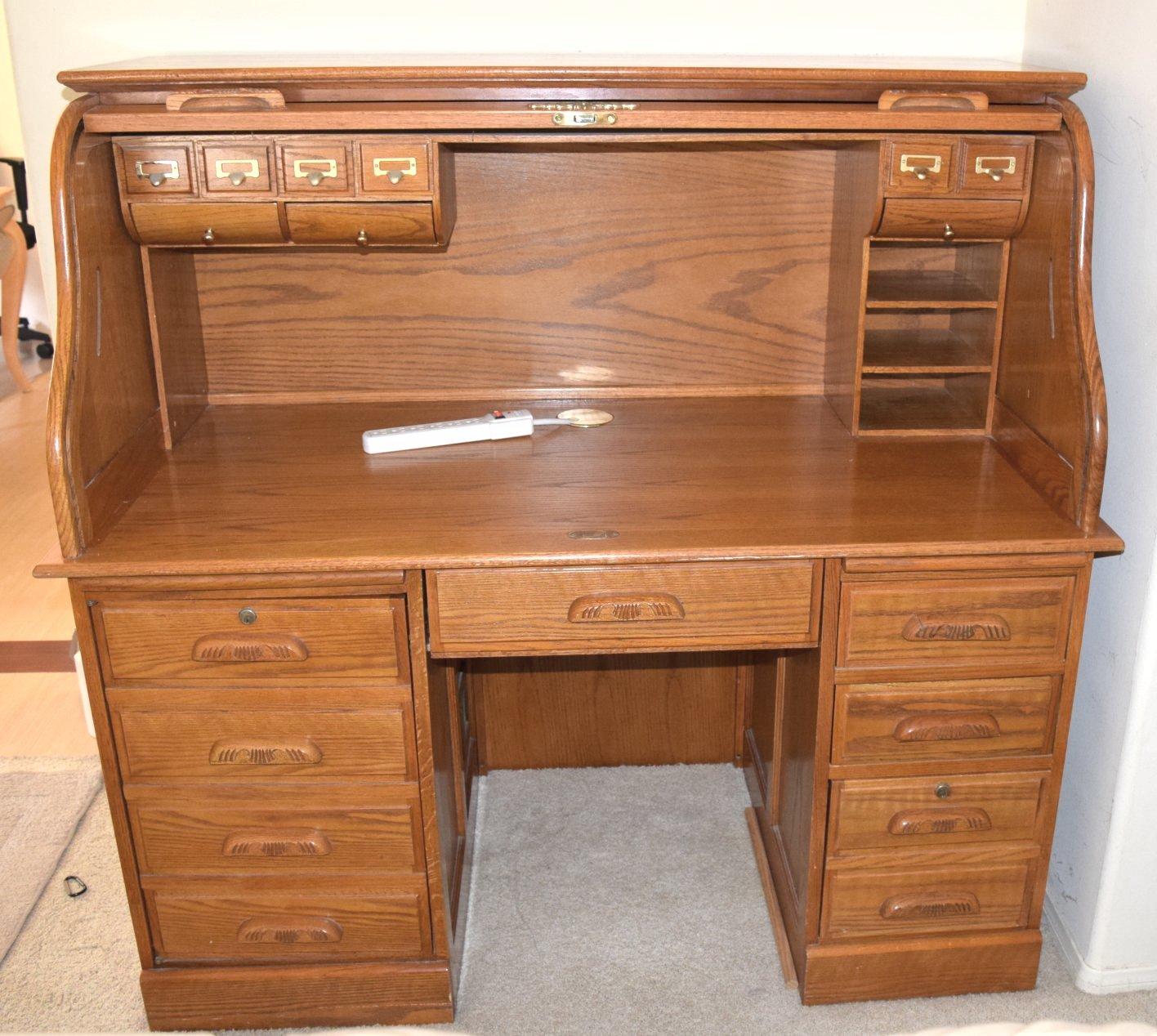 Solid Oak Rolltop Desk (Locking) - LIKE NEW