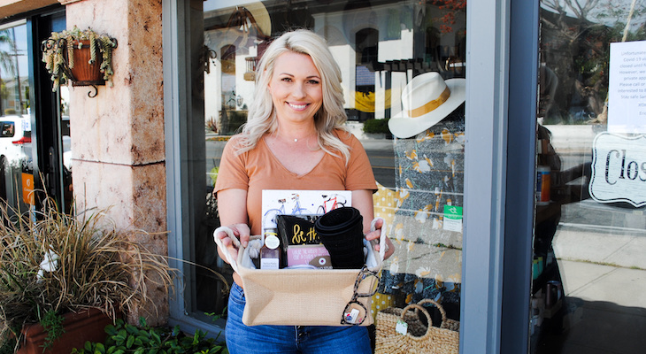 Clothing Boutique Dylan Star Creates Custom Gift Baskets title=