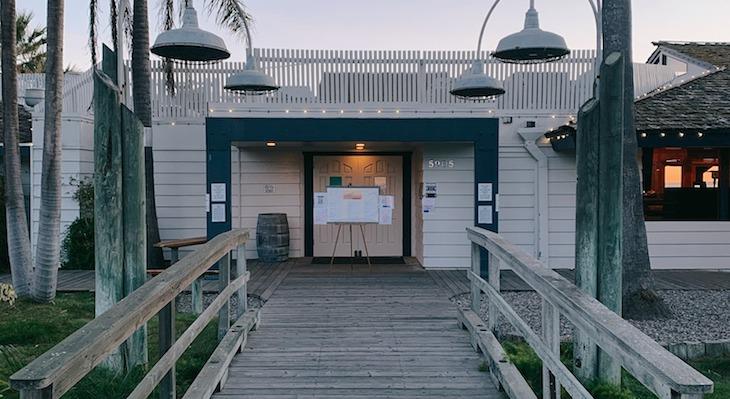 Goleta's Beachside Bar Cafe to Close title=