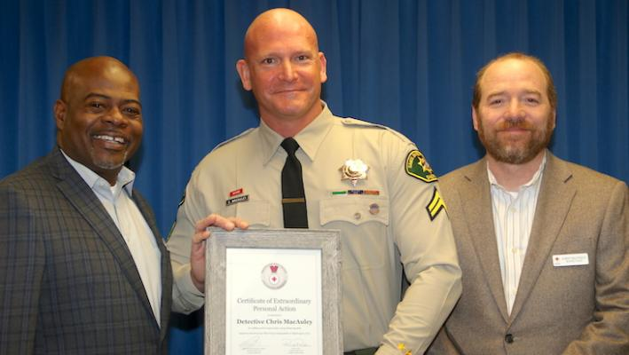 Sheriff's Detective Receives Life-Saving Award title=