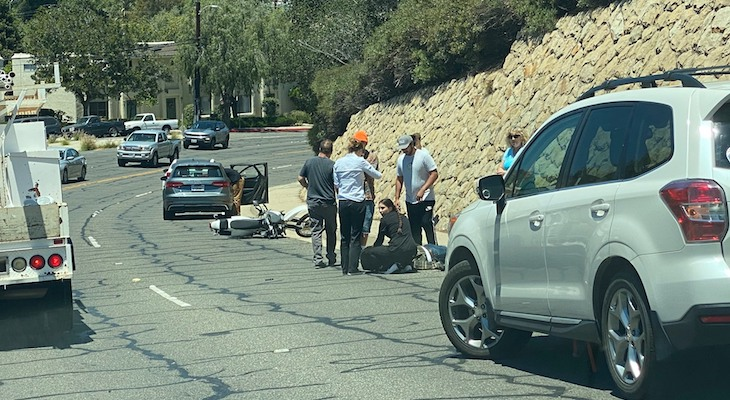 Motorcyclist Injured on Cliff Drive title=
