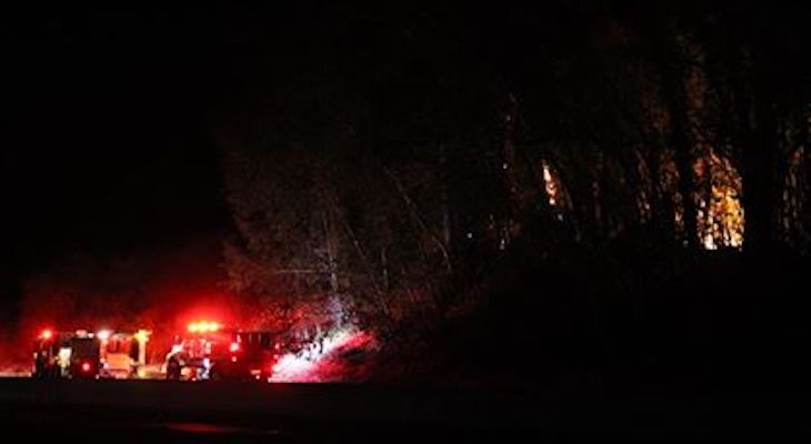 Tree Fire on Highway 101 in Goleta title=