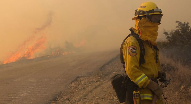 Winds fuel California fire toward celebrity-packed Montecito