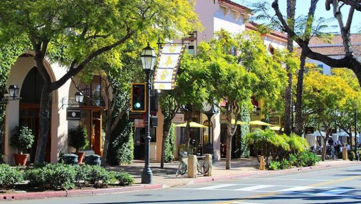 Downtown State Street Closes to Vehicles for Outdoor Dining title=