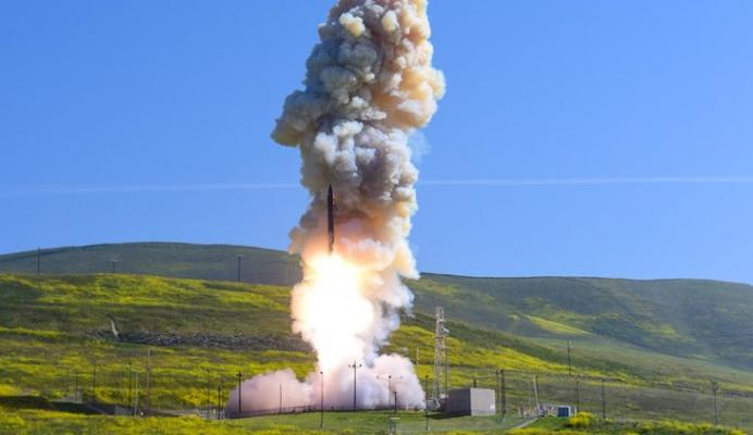 Missile Defense Holds Test from Vandenberg AFB Monday title=