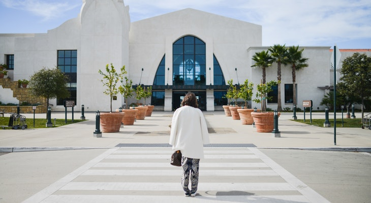 Santa Barbara Airport to Require Face Coverings title=