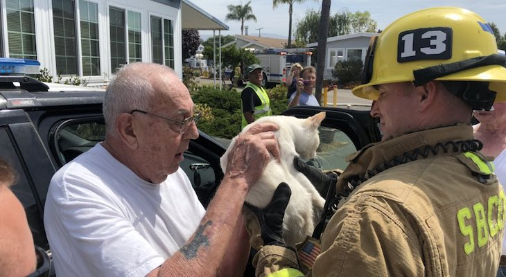 Elderly Man and Cat Survive Mobile Home Fire title=