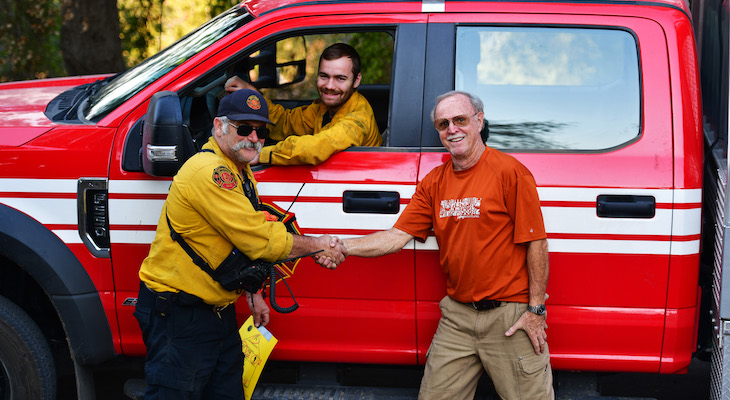 Thanking Oregon Firefighters title=