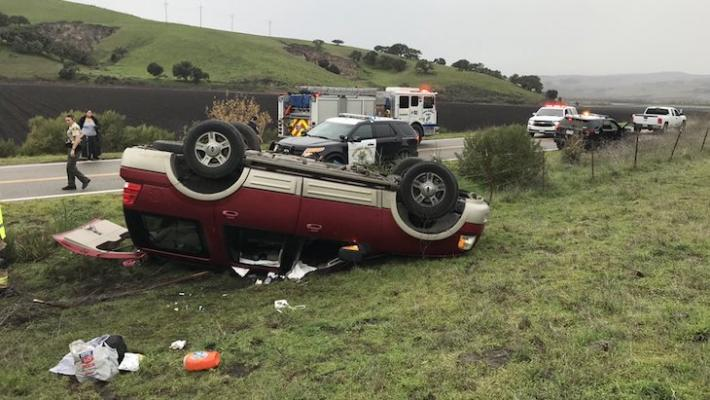 6 Children Survive Vehicle Rollover in Lompoc title=