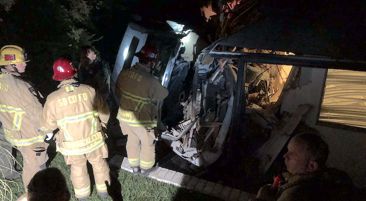 Vehicle Crashes into Santa Ynez Home title=