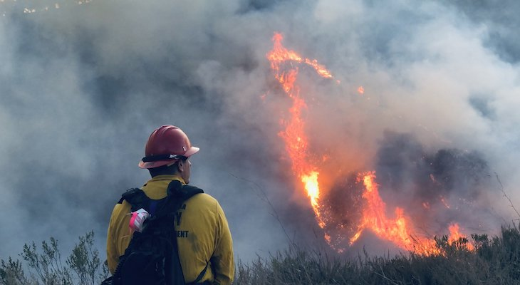 Prescribed Burn Jumps Containment Line title=