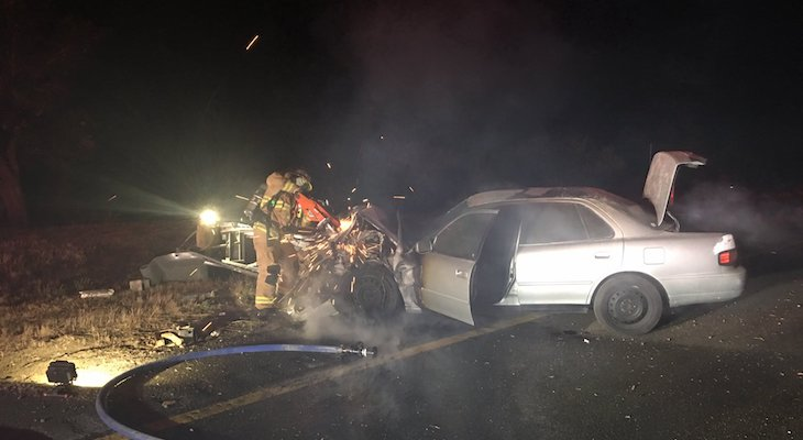 Vehicle Catches Fire After Crashing into Guardrail
