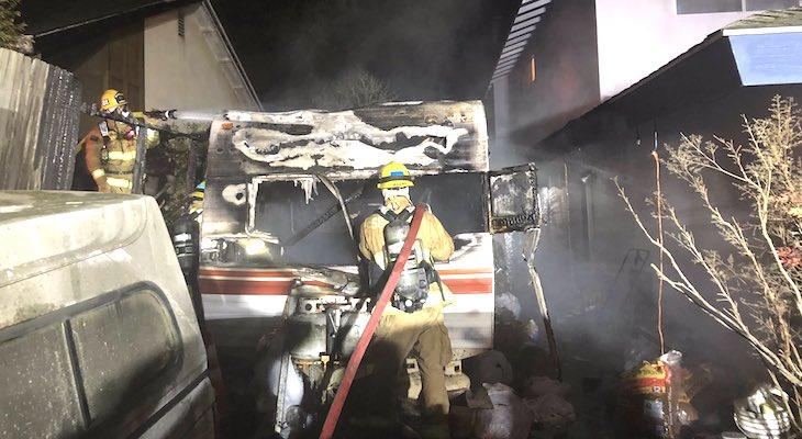 Trailer Fire Threatens Orcutt Homes title=