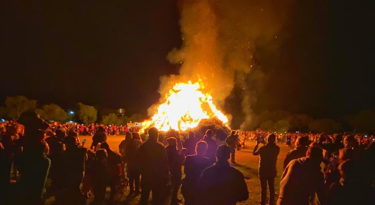 Solvang's Annual Christmas Tree Burn Celebrates 30 Years