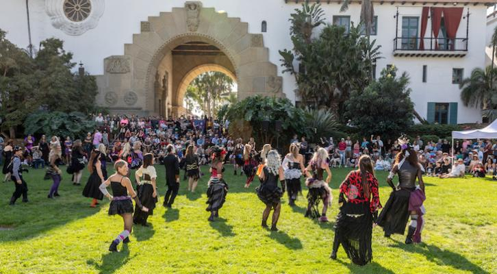 Halloween Flash Mob Takes Over Courthouse Garden