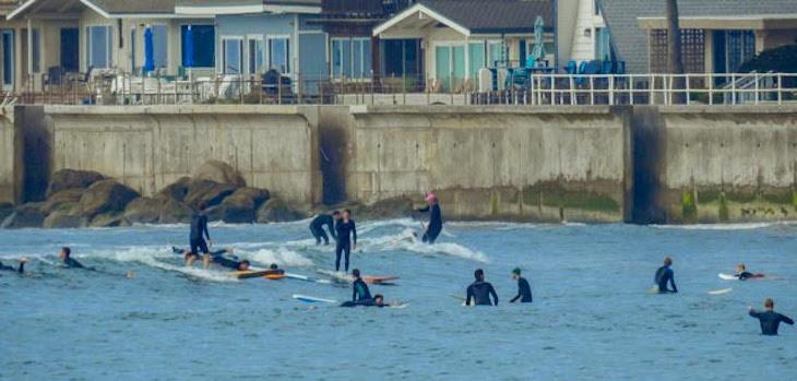 Faria Beach Surfing title=