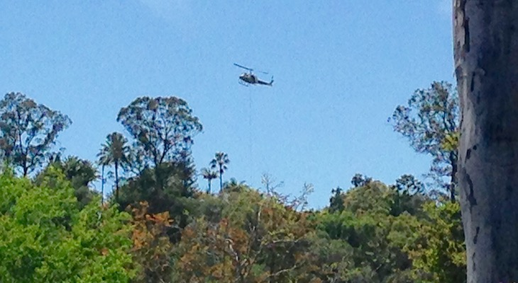 Helicopter Over the Riviera title=
