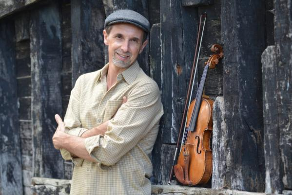 """Virtuoso violinist Gilles Apap returns """"home"""" to Santa Barbara to play with the Symphony, where he served as concertmaster for a decade title="""