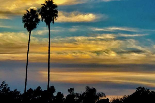 Sunset Ocean Views title=