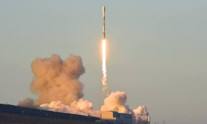Successful SpaceX Launch Friday Morning title=