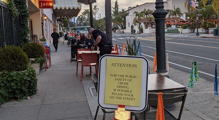 For the Public Safety of Those Dining, Walk on the Street title=
