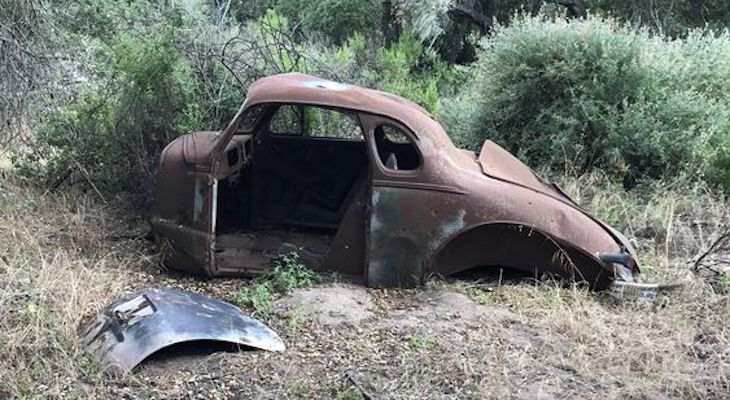 Story on These Dilapidated Cars?