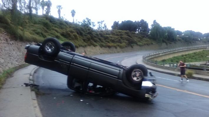 Vehicle Rollover on Cliff Drive title=