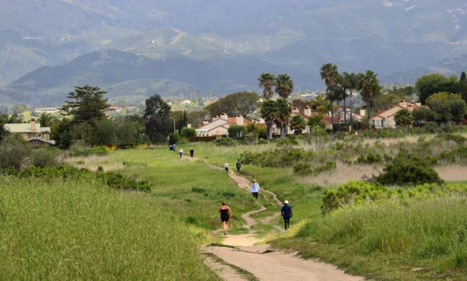County Threatens to Close Parks or Beach Parking if Too Crowded title=