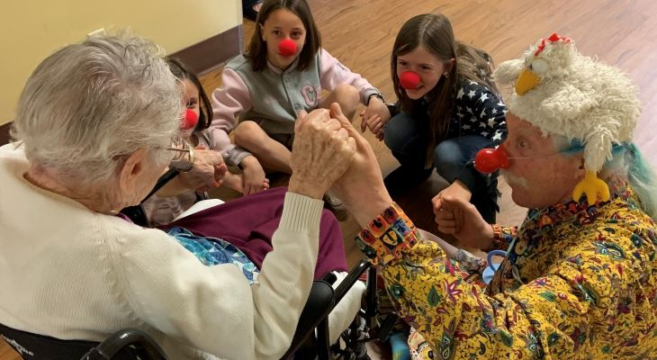 Patch Adams visits Valle Verde title=