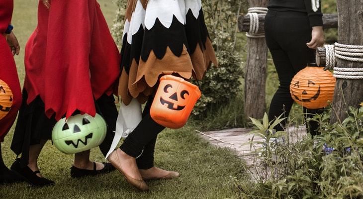 Avoid Possible Safety Hazards on Halloween title=