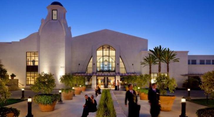 Santa Barbara Airport Wins Outstanding Airport Award title=