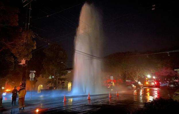 Hydrant Sheared on Chapala title=