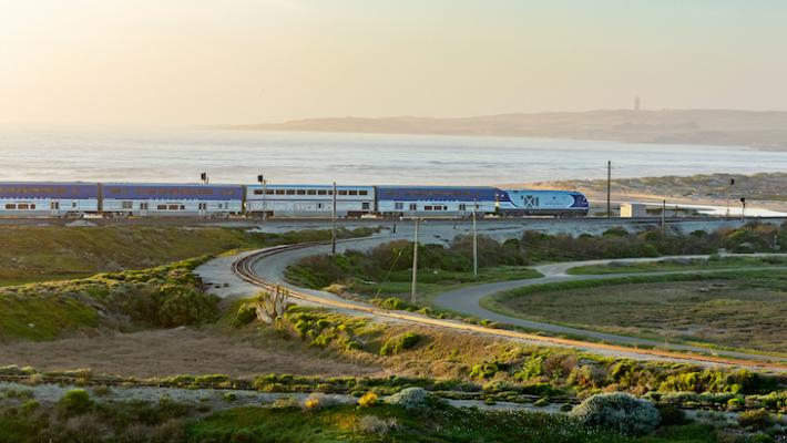Amtrak Pacific Surfliner Will Require Reservations for Peak Travel Weekends This Summer title=