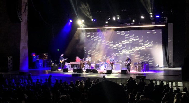 """Wilco Gives Bowl Crowd a """"Shot in the Arm"""""""