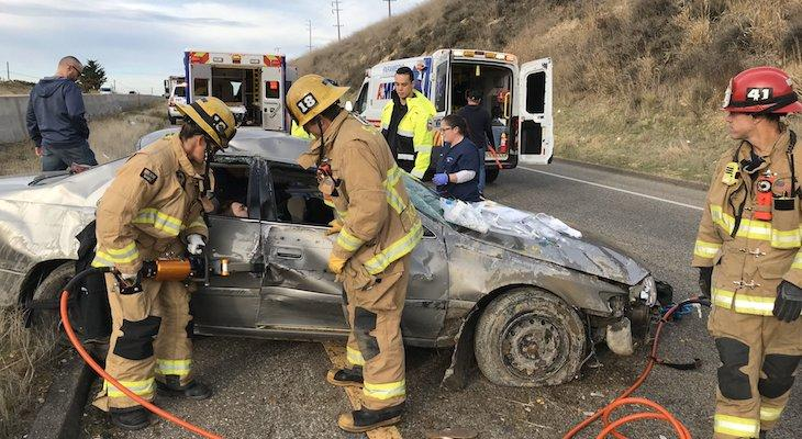 Two Injured in Highway 101 Vehicle Rollover